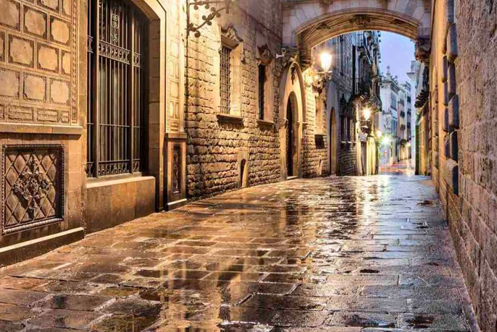 The Gothic Quarter | Local Photo Tour