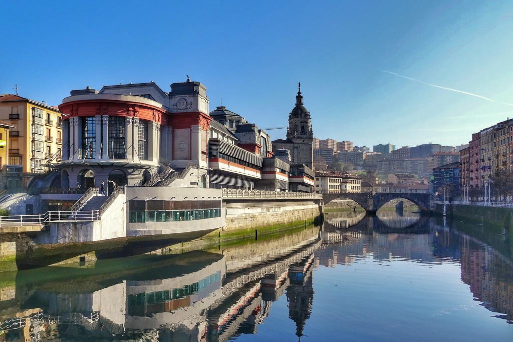Bilbao River | Local Photo Tour