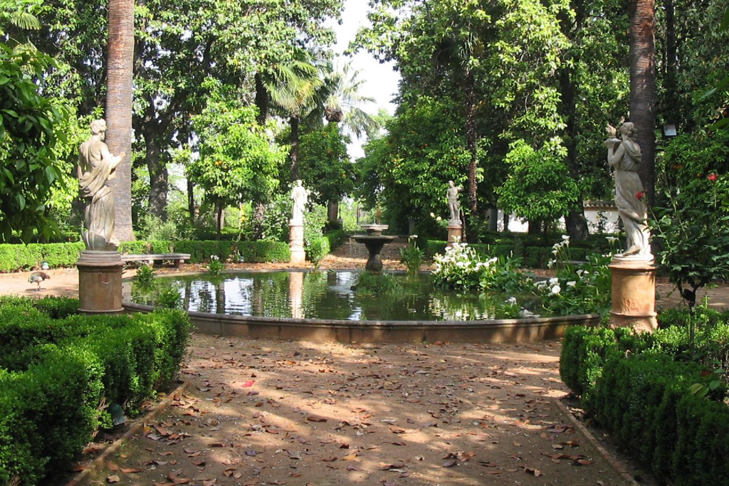 Carmen de los Martires Garden | Local Photo Tour