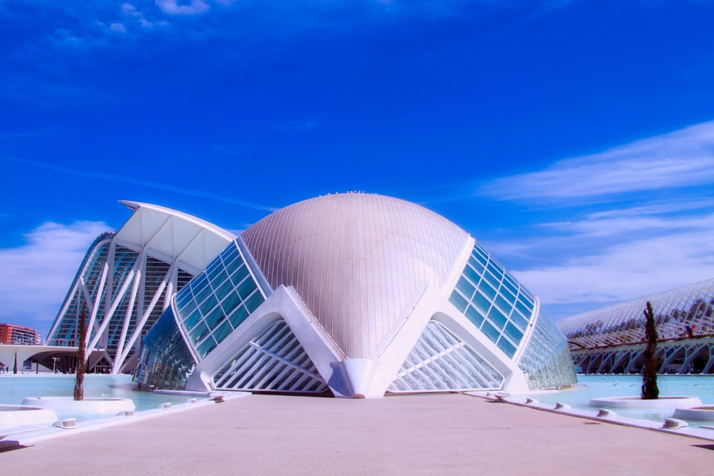 Ciudad de las Artes y las Ciencias | Local Photo Tours